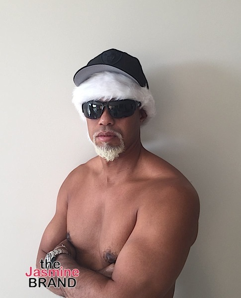 A Chest Naked Tiger Woods Introduces Mac Daddy Santa [Photo]