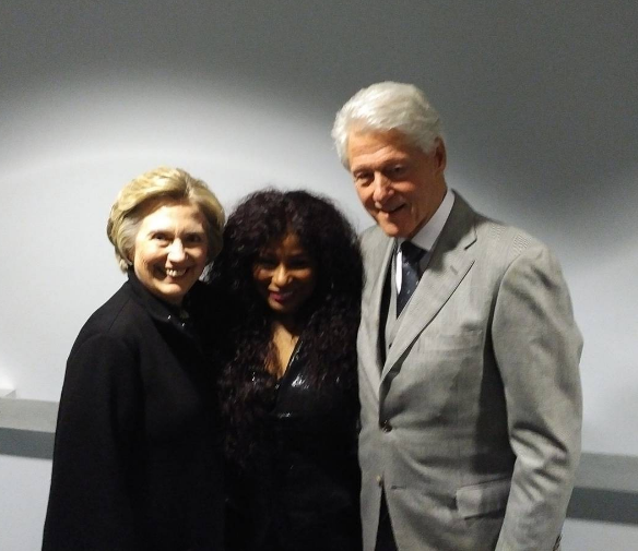 Ashley Graham Loves Her Cellulite, Bill & Hillary Clinton Hit Chaka Khan Concert + Apollo Nida's Fiance Posts Jail Pic!