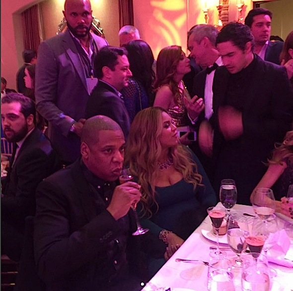 Jay Z & Beyonce's Growing Baby Bump Hit Pre Oscar's Dinner [Photos]