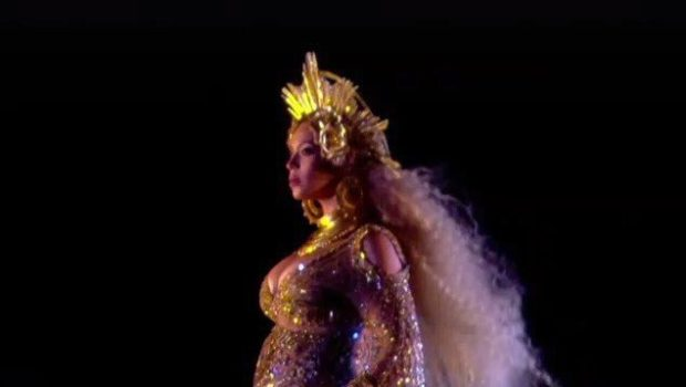 A Pregnant Beyonce Performs At The Grammys! [VIDEO]