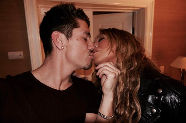 Get A Room! Mariah Carey Tongues Down Boyfriend Dancer [Photos]