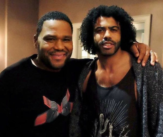 """Anthony Anderson On Success of black-ish, """"Trump"""" Episode & Working With Chris Brown"""