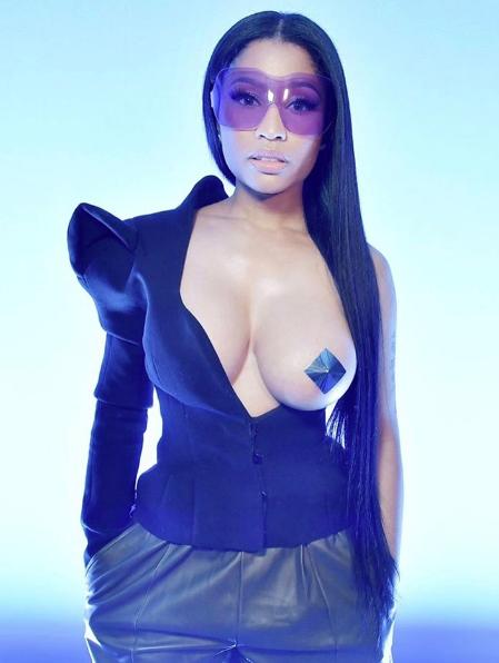 """Nicki Minaj: """"Boobs are pretty. Who gives a sh*t?"""""""