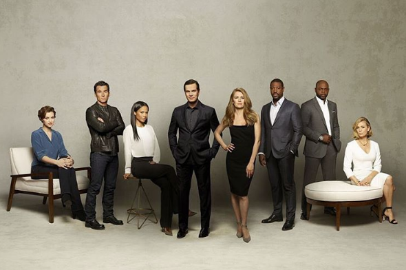 """Shonda Rhimes' """"The Catch"""" Canceled, Lands New Show """"For The People"""""""