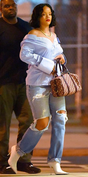 Rihanna's Cute Curves Lead To Pregnancy Speculation [Ovary Hustlin']