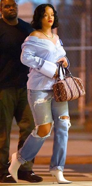 Rihanna's Cute Curves Lead To Pregnancy Speculation [Ovary Hustlin']