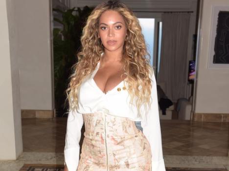 Beyonce Shares Post Preggo Figure & Fashion [Ellery Mona Lisa, Zimmermann & Giuseppe Zanotti]