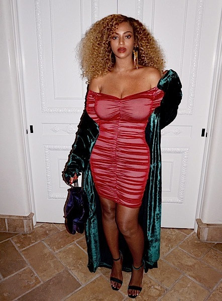 Flirt-Alert! Beyonce Serves Endless Cleavage & Curves [House of CB, Saint Laurent, Chaiara Boni, Bouguessa]