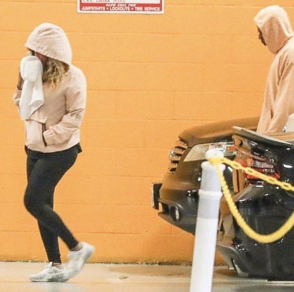 Beyonce & Jay-Z Hit Soul Cycle w/ Kelly Rowland [Celebrity Stalking]