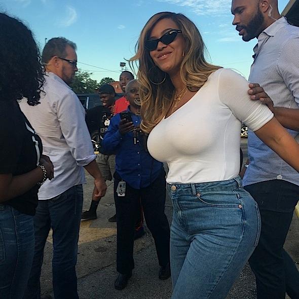 Beyonce Visits Houston, Gives Back To Hurricane Harvey Victims