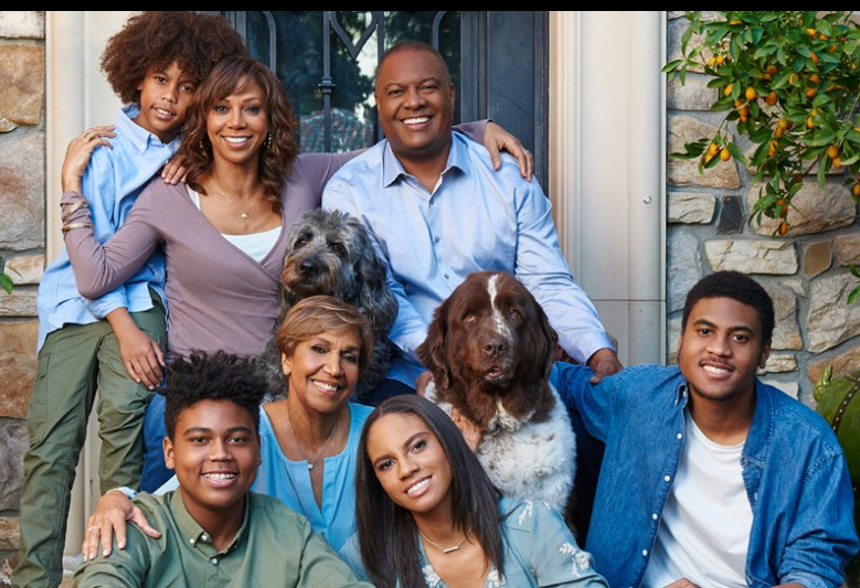 Holly Robinson Peete Lands New Reality Show 'Meet The Peetes' On Hallmark