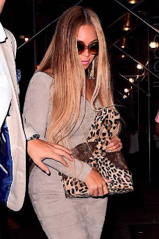 Ouch! Beyonce Bodyguard Pushes Paparazzi
