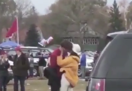 Malia Obama Kissing & Smoking At Football Game [VIDEO]