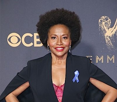 Black-ish Actress Jenifer Lewis Battled Sex Addiction, Bipolar Disorder