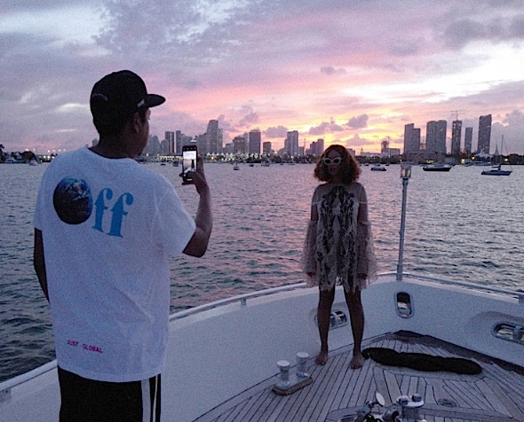 Jay-Z Is Beyonce's Photog In Yacht Shoot + Singer Rocks Alice McCall, Chiaraboni