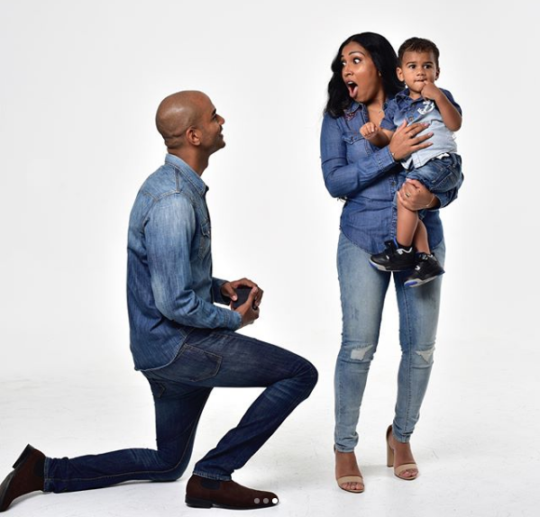 Melanie Fiona Engaged! [Photos]