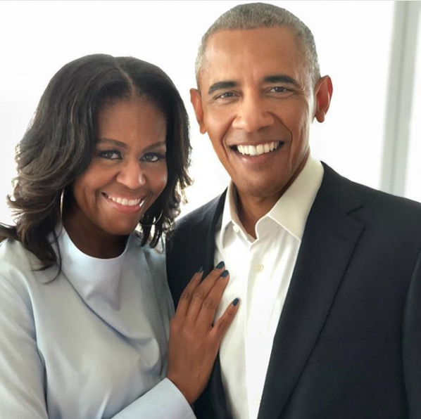Barack & Michelle Obama In Talks With Netflix