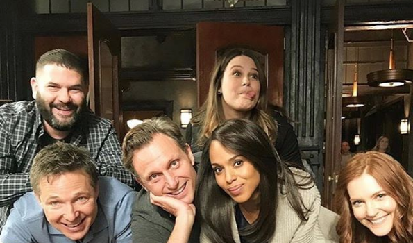Kerry Washington Ended 'Scandal' Show By Gifting Cast & Crew Sneakers, Wine & A Mattress