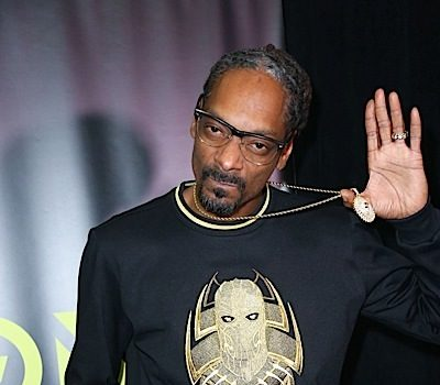 Snoop Dogg – Kansas Apologizes For His Controversial Show Featuring Stripper Poles & Fake Money [VIDEO]