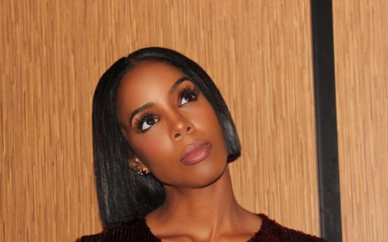 Kelly Rowland Bursts Into Tears – I Miss My Mom's Voice [VIDEO]