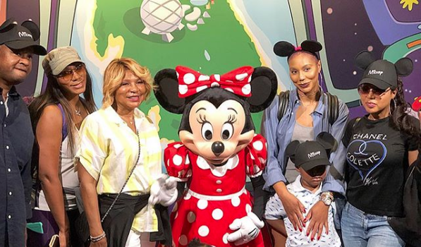 Tamar Braxton Reunites w/ Mother & Sister After Family Claims Vince Was Physically Abusive