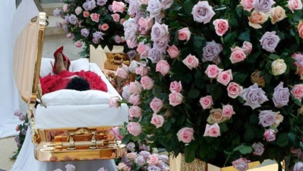 Aretha Franklin – Outfit Changes Planned For Funeral, Service Will Be Televised