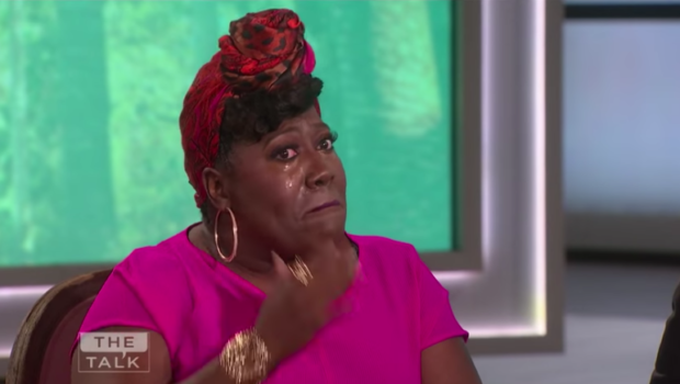 Sheryl Underwood Cries As Julie Chen Departs From 'The Talk' [VIDEO]