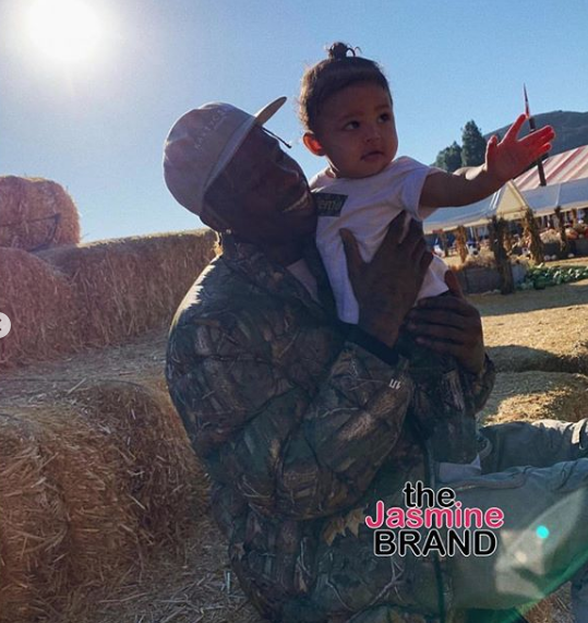 Kylie Jenner & Boyfriend Travis Scott Take Daughter On 1st Visit To Pumpkin Patch [Photos]