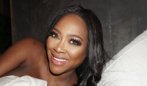 Kenya Moore Gives Us A Glimpse Of Newborn Daughter [Photo]