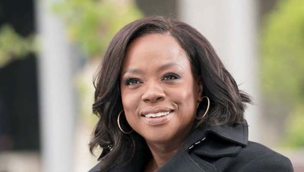 """Viola Davis Says She Wants """"The Same Filet Mignon"""" That White Actresses Get When It Comes To Pay"""