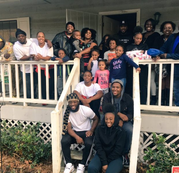 Jeezy Feeds Family Of 16 & Pays For Hotel After They Lost Their Home In A Fire