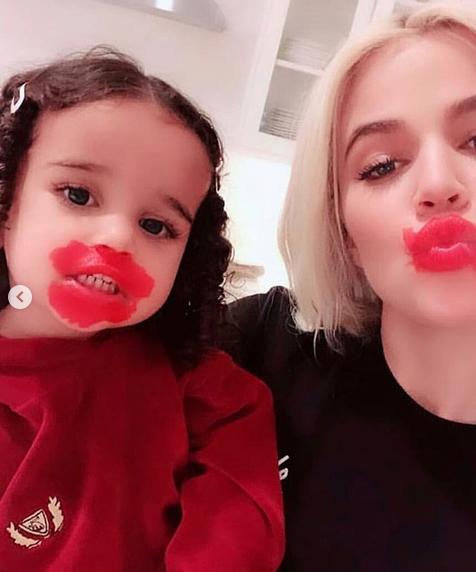 Dream Kardashian Adorably Applies Makeup To Aunt Khloé's Kardashian's Face