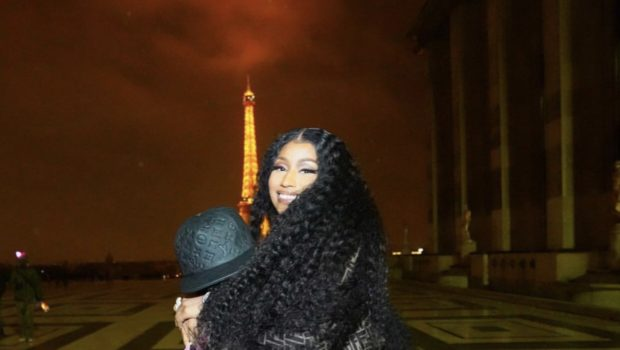 Nicki Minaj & Boyfriend Zoo Spotted On Date Night in Paris [VIDEO]