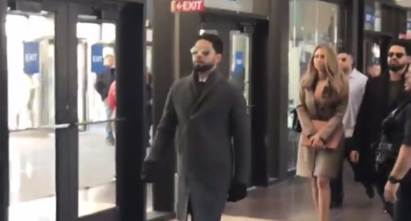 Jussie Smollett Spotted Going Into Courthouse For Indictment Hearing W/ Family In Tow [VIDEO]