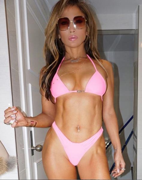 J.Lo Shows Off Killer Bikini Body On Set Of 'Hustlers'