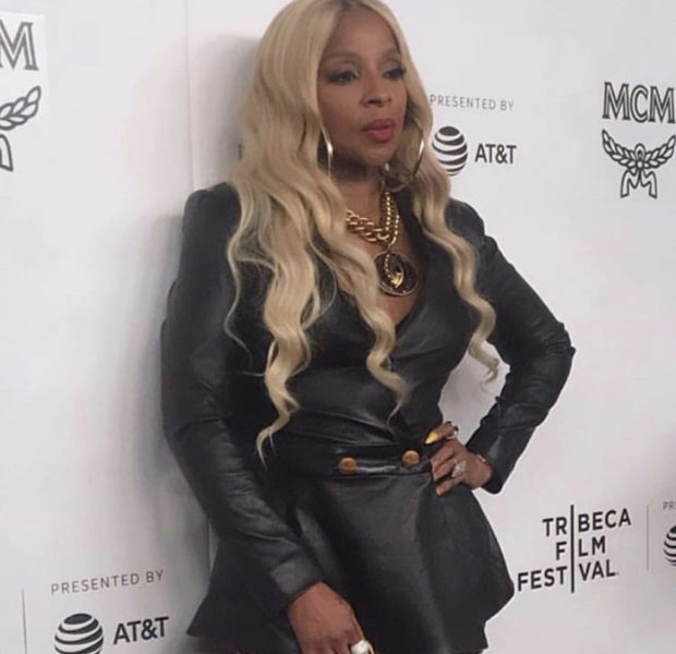Mary J. Blige Is Aging Backwards As She Stuns In Leather Ensemble
