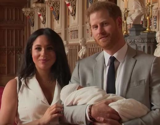 Meghan Markle & Prince Harry Debut Baby Boy [VIDEO]