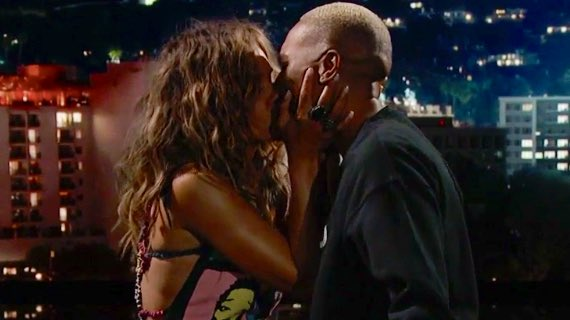 Halle Berry Passionately Kisses Lena Waithe [VIDEO]