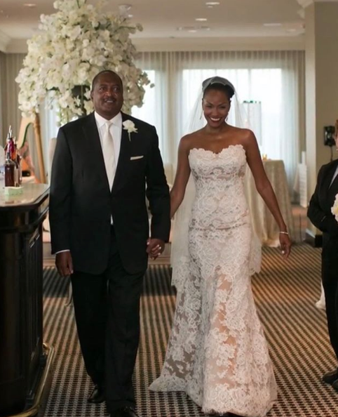 Mathew Knowles & Wife Celebrate 6 Year Anniversary [Photo]