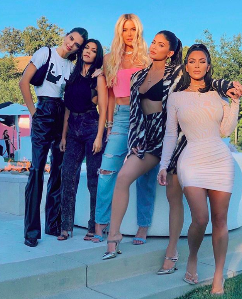 "Khloe Kardashian Says The Kardashian Sisters Have Different ""KUWTK"" Contracts Than Kendall & Kylie Jenner"