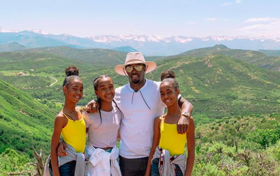 Diddy & Daughters Enjoy Summer Vacation! [Photos]