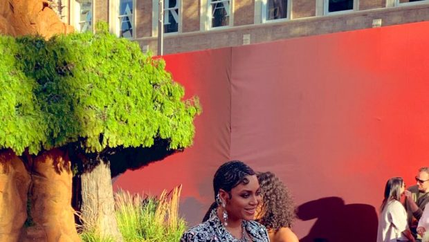 Beyonce & Blue Ivy Stun At 'Lion King' Premiere [VIDEO]