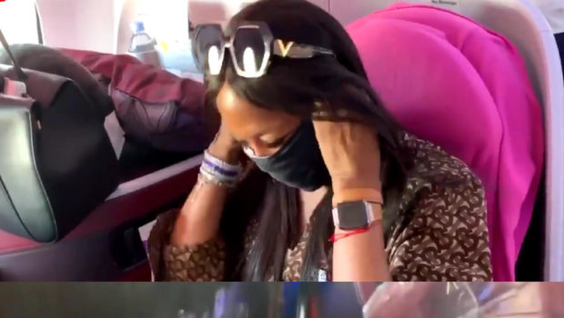 "Naomi Campbell Fully Sanitizes Her Seat On Every Plane She Gets On, Wearing Gloves & A Mask: ""I don't care what people think of me!"""