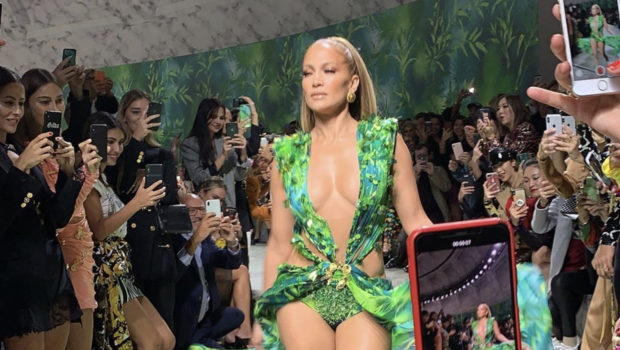 Jennifer Lopez Closes Versace Runway Show Wearing Iconic Green Dress [VIDEO]