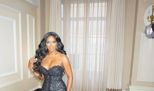 Kenya Moore Declares 'I Stand Alone' Amidst Divorce Announcement [Photo]