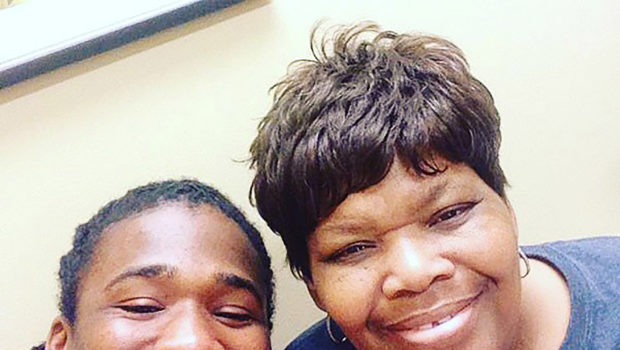 Ex NFL Player DeAngelo Williams Pays for 500 Mammograms In Honor of Late Mother Who Passed Away of Breast Cancer