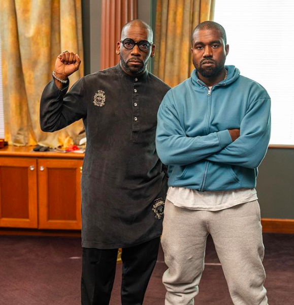 "Mega Preacher Jamal Bryant Criticizes Kanye After Holding ""Sunday Service"" At His Church: ""His politics are indigestible!"""