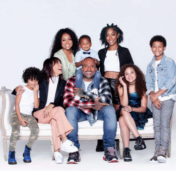 "Kenya Barris Responds To Criticism Over HisShow's Light-Skinned Cast: ""What Do You Think Rashida Jones & I's Kids Would Look Like?"""