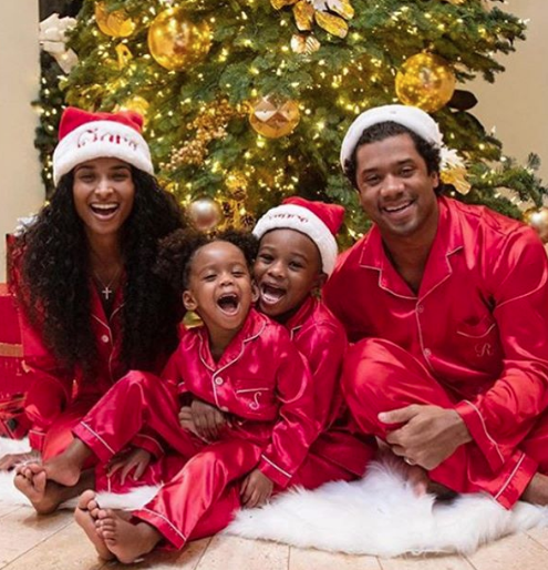 Christmas Celebrity Photos: Carmelo & Lala Anthony, Kevin Hart, Trey Songz, Kylie Jenner, J.Lo & A-Rod