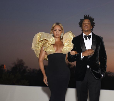 Beyonce & Jay Z Make A Surprise Appearance At The Golden Globes [Photos]